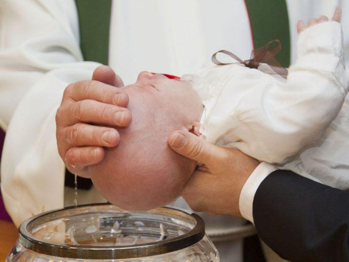 Bomboniere solidali per battesimo: la gioia dell'accoglienza
