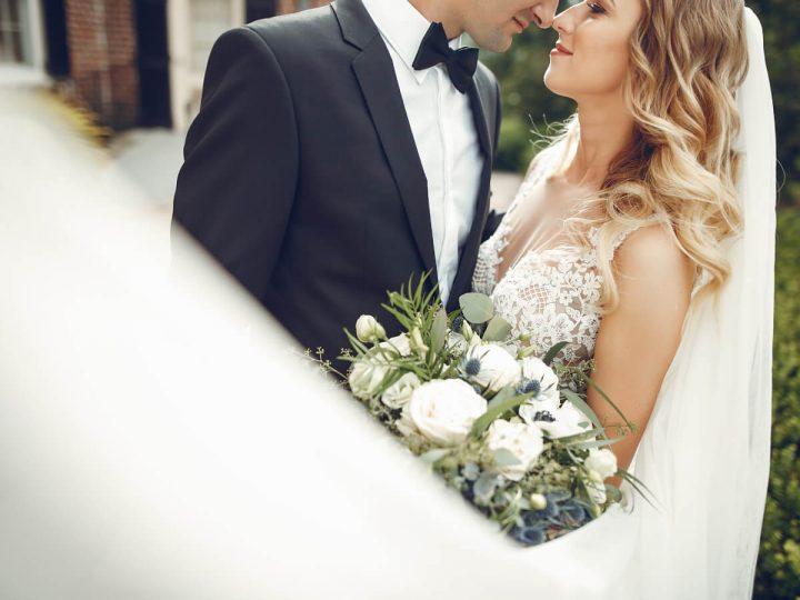 Idee partecipazioni matrimonio: è meglio classico o moderno?