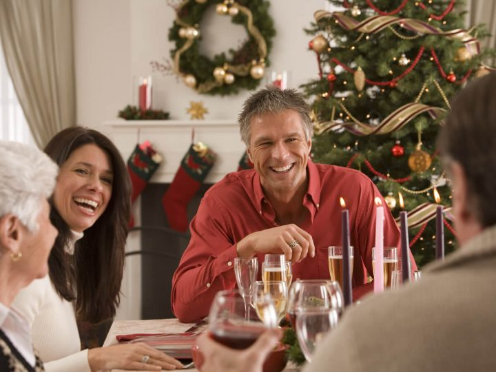 Tavola natalizia: idee per allestire e decorare per le feste